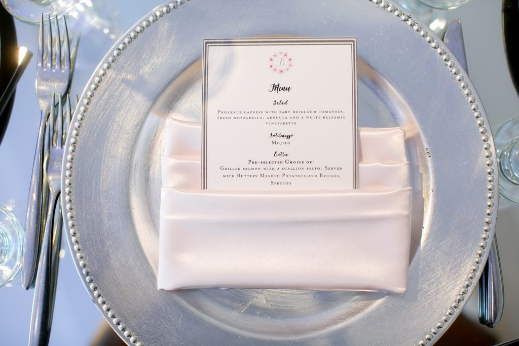 Place setting silver pink